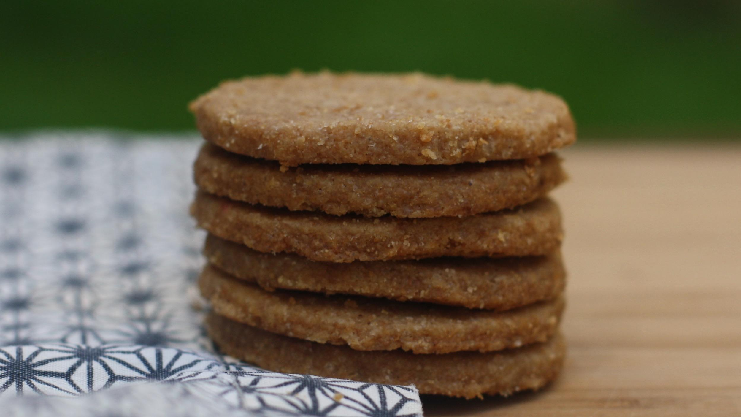 toasted-coconut-shortbread